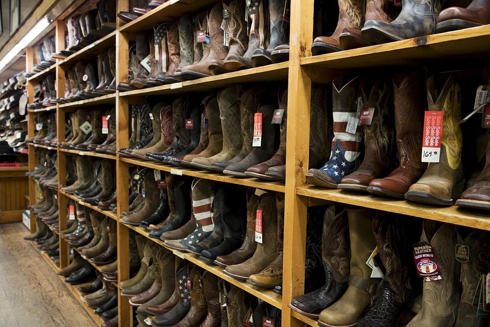 Get A Range Of Footwear From Footwear Suppliers