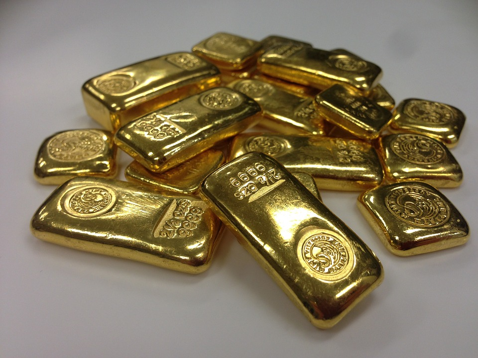Extracting Information Through Gold Price Data