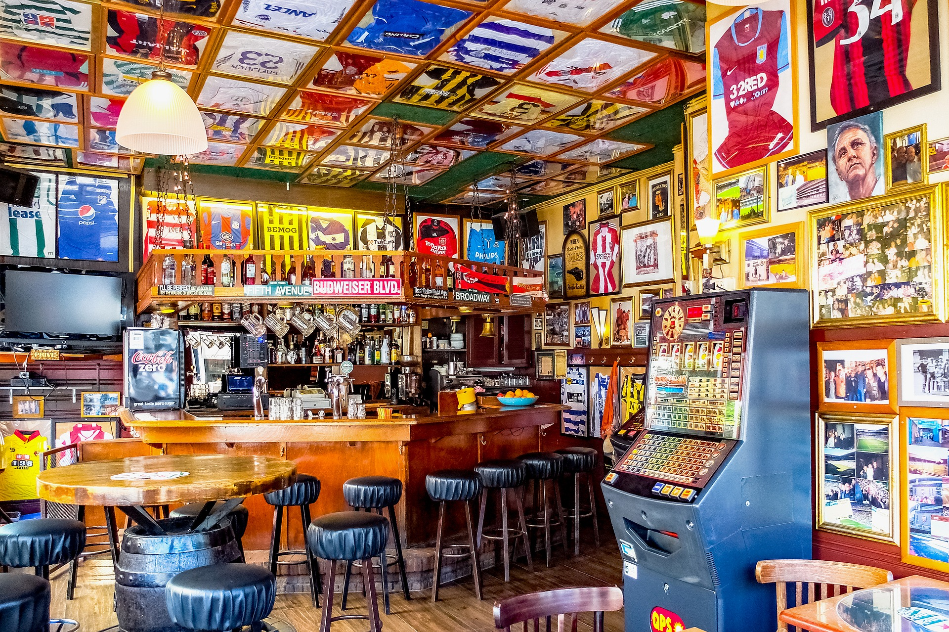 Enjoy The Sports At The Sports Bar Chicago