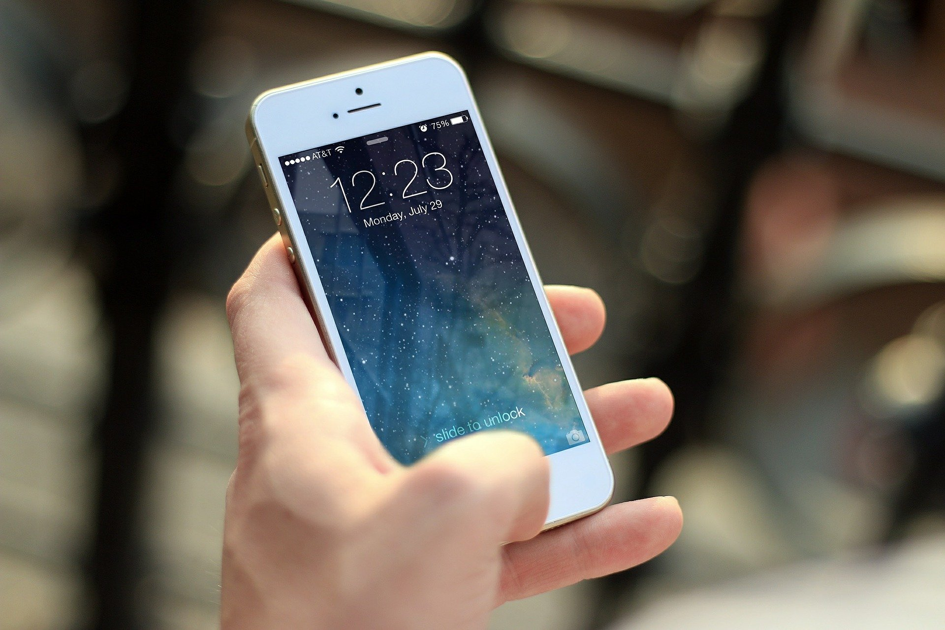 Hiring The Right IPhone Repair Service For Quality Repairs