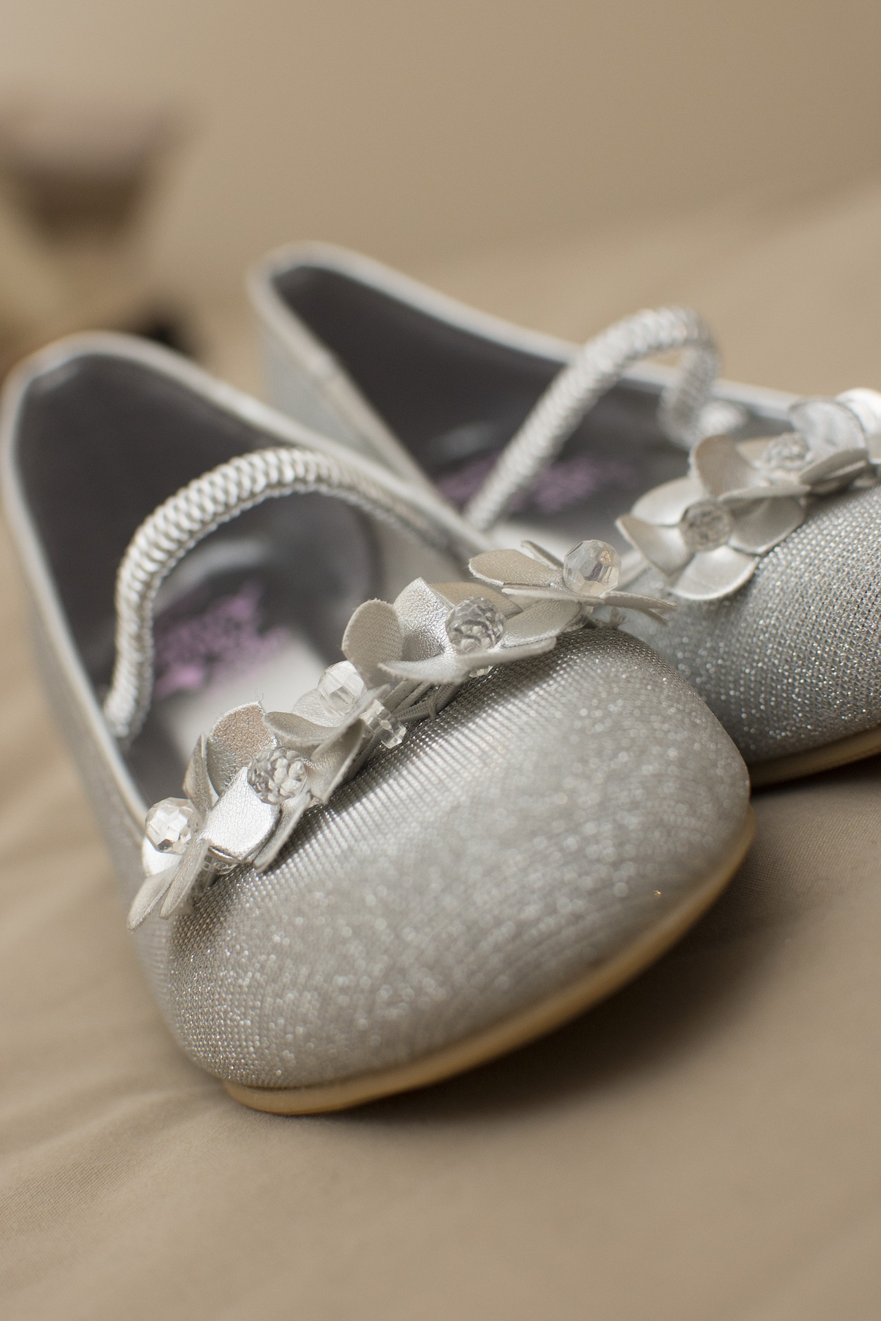 The Ultimate Reason To Wear Bridal Flats Instead Of Heels On Your Big Day!
