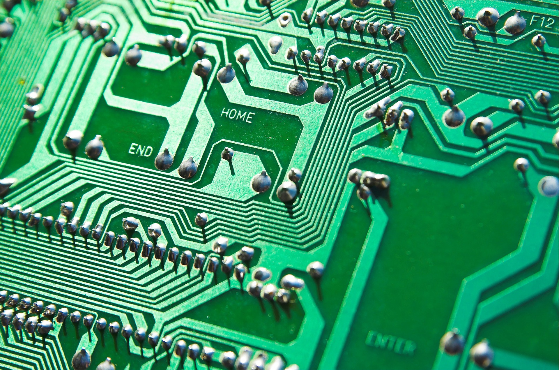 The Benefits Of Using Printed Circuit Boards