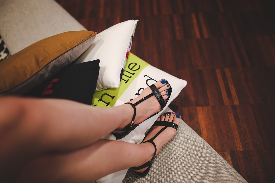Black Sandals For Your Summer Look