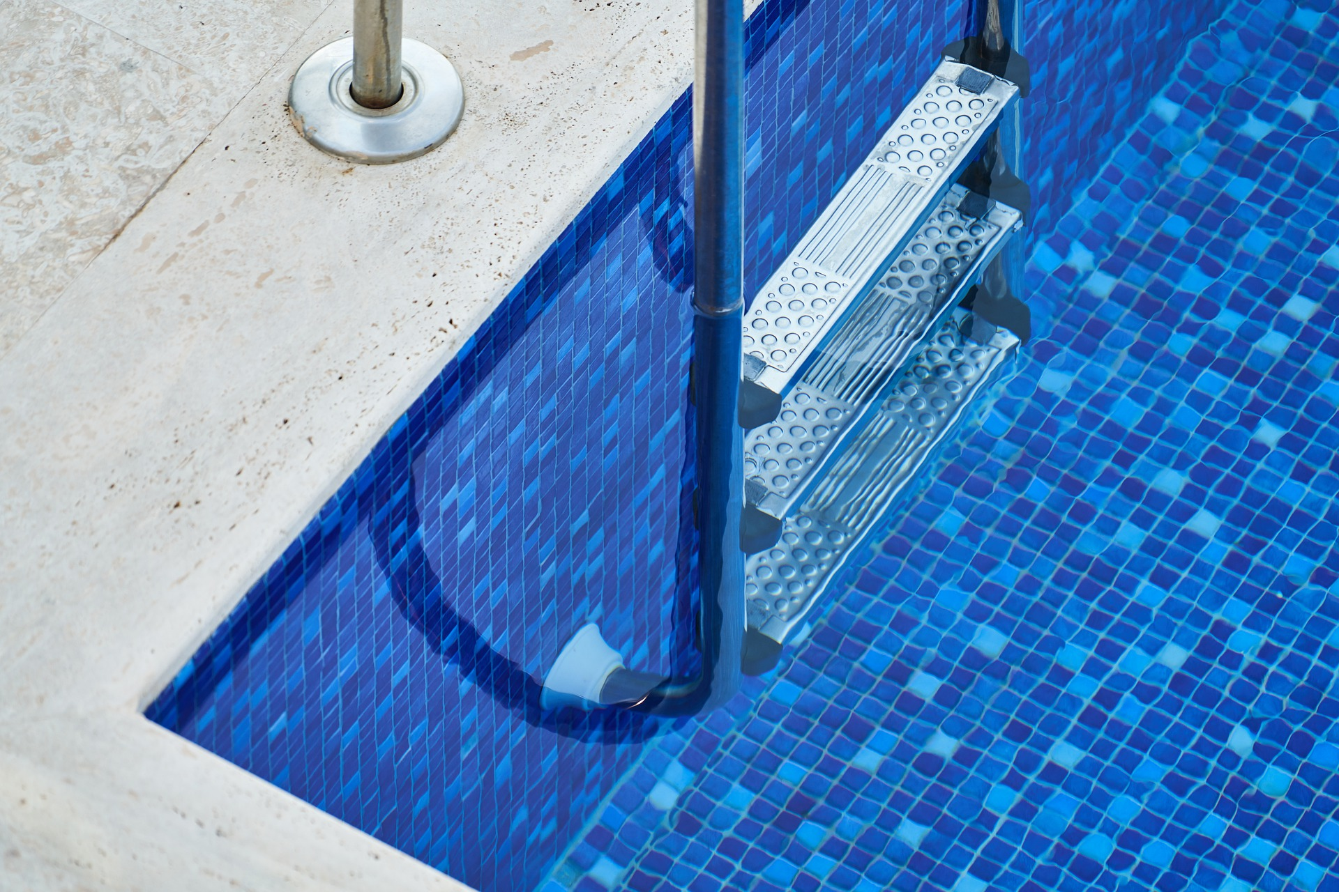 Is Stabilised Chlorine Right For Your Pool?