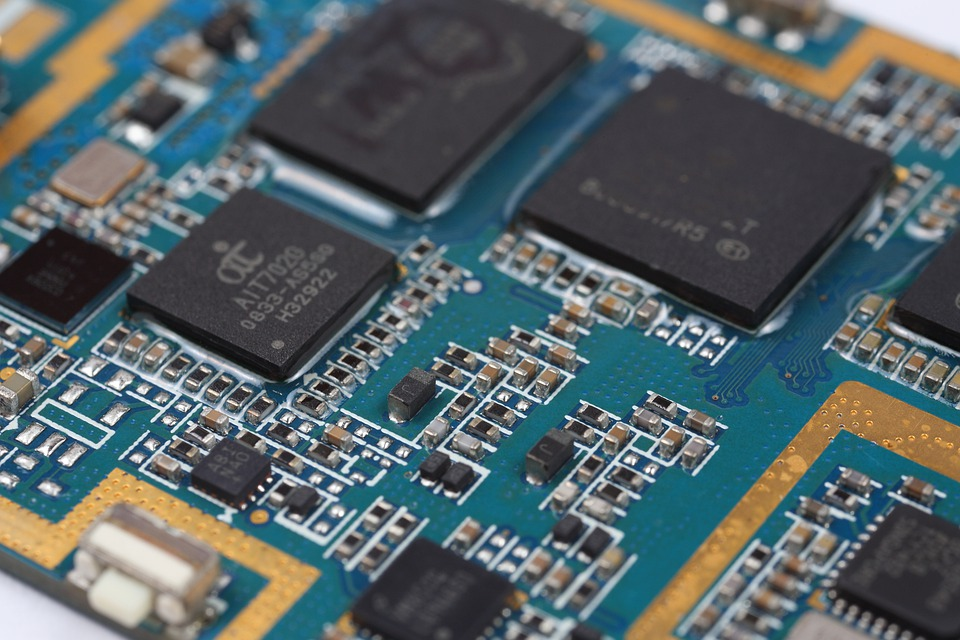 3 Reasons To Go With Small Batch PCB Assembly