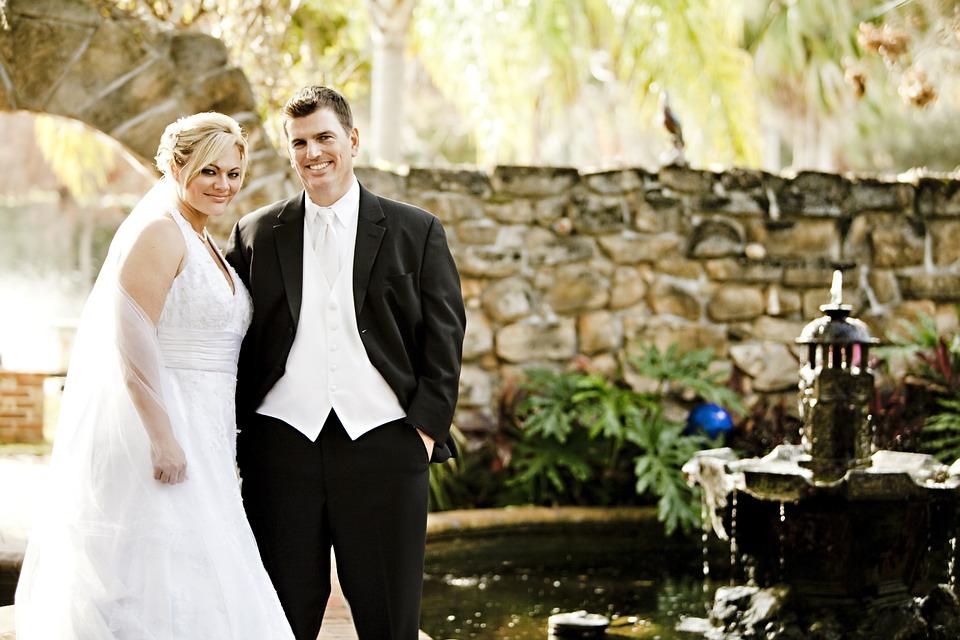 3 Tips For Determining Wedding Celebrant Cost