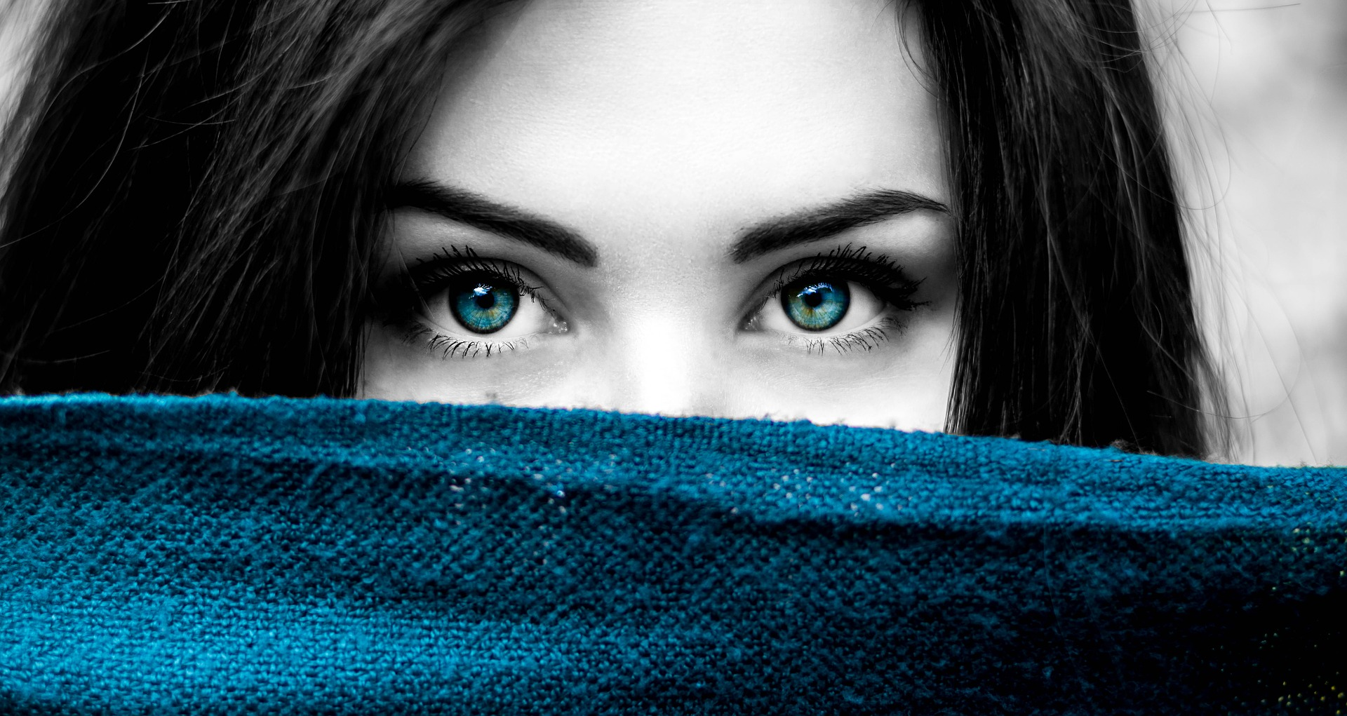 Blue Eye Contacts – Everything You Need To Know
